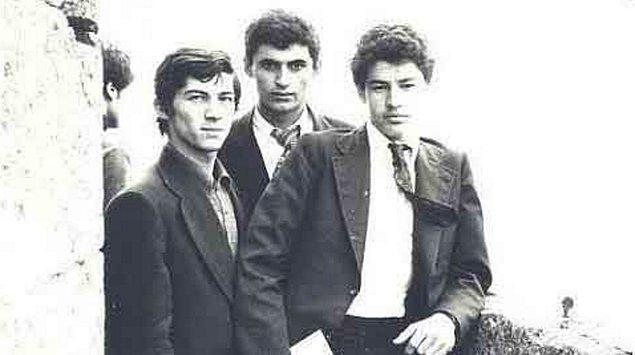 1. Binali Yıldırım, 20 Aralık 1955'te Erzincan Refahiye'de doğdu. Baba adı Dursun, anne adı Bahar'dır