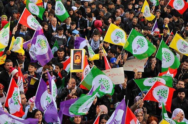 'HDP ana muhalefetin odağı hâline gelmiştir'
