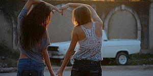 En Yakın Arkadaşıyla Farklı Şehirlerde Yaşayanların Arkadaşlığa Dair Bildiği 11 Şey