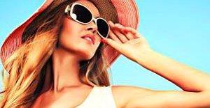 Yaz Geliyor!: Çantanın Olmazsa Olmazı Olacak 5 Makyaj Malzemesi!