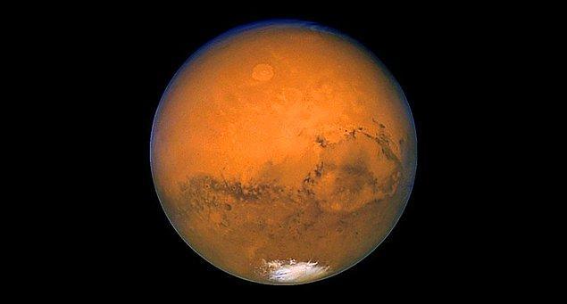 4. Mars'ta neden oksijen atomları bir araya gelip Dünya'daki gibi moleküler oksijen haline gelmiyor?