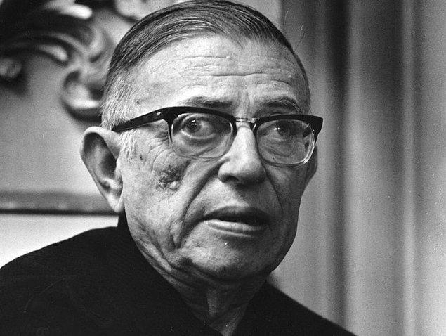 11. Jean-Paul Sartre, ölüm döşeğinde hayat boyu partneri olan Simone de Beauvoir'ya verdiği röportajda annesine karşı ensest duygular beslediğini ve kadınlar tarafından suda boğulma korkusu yaşadığını söyledi.