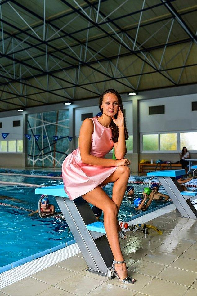 Kadınlar 100 ve 200 metre kurbağalama ile 200 ve 400 metre karışık branşlarında olimpiyat A barajını geçerek, 4 branşta birden A barajıyla kota alarak Türk olimpiyat tarihinde bir ilke imza attı.