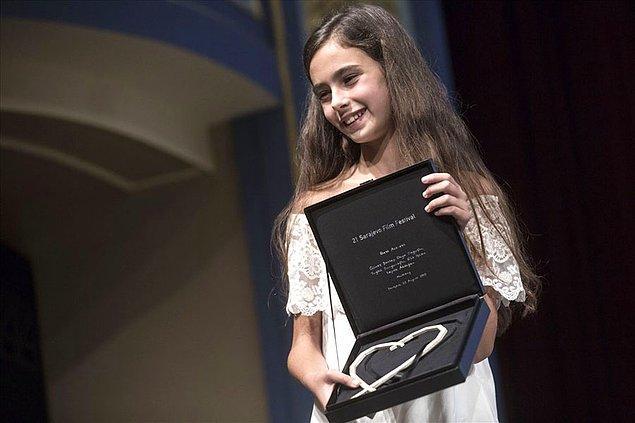 """Ayrıca Hindistan Goa, Bosna Hersek Saraybosna ve Rusya Sakhalin Uluslararası Film Festivalleri'nde """"En İyi Aktris"""" ödülünü kazandı."""