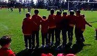Galatasaraylı Minik Futbolcular Beşiktaş'ı Destekledi