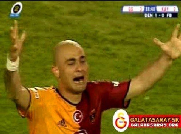 11. Ama 2006 ve futbol denince akıllara Galatasaray'ın kazandığı 16 dakika beklemeli 16. şampiyonluğu geliyor.