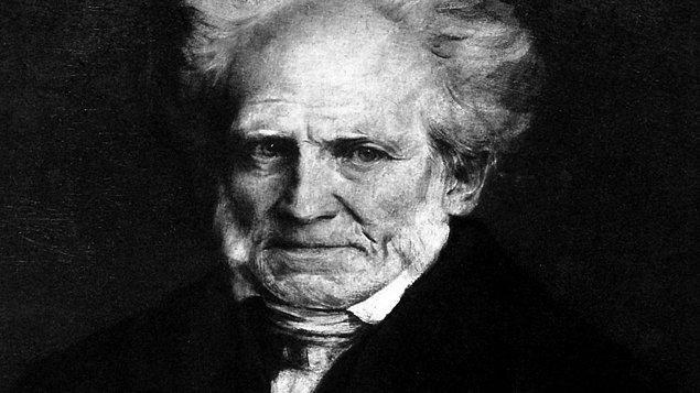 """14. Schopenhauer, kelimenin tam manasıyla bir """"paranoyak""""tı. Her gün tıraş olduğu berberinin usturayla gırtlağını kesebileceğinden korkuyor ve paralarının çalınabileceği konusunda kendi bankasına bile güvenmiyordu."""