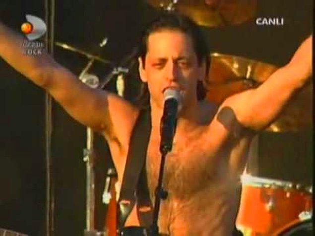 17. Duman'ın 2006'daki Rock'n Coke konseri o kadar sevilmişti ki hayranlarının isteği üzerine iki sene sonra konserin albümü çıkmıştı