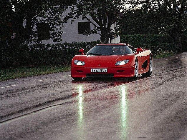 20) Koenigsegg CC8S