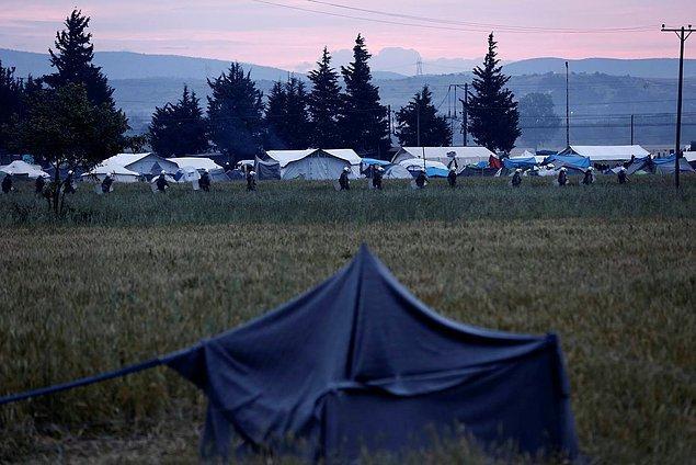 Yunanistan'ın Makedonya sınırındaki İdomeni kampı tahliye ediliyor