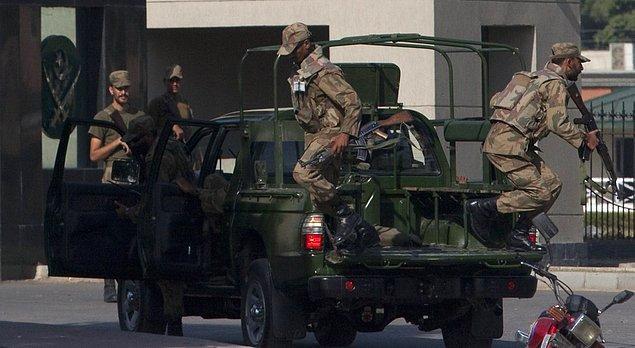 В октябре 2009 года группа штурмовала офисное здание и спасла 39 заложников, удерживаемых вооруженными афганцами, которые, предположительно, принадлежали к движению Талибан, после атаки на штаб армии.