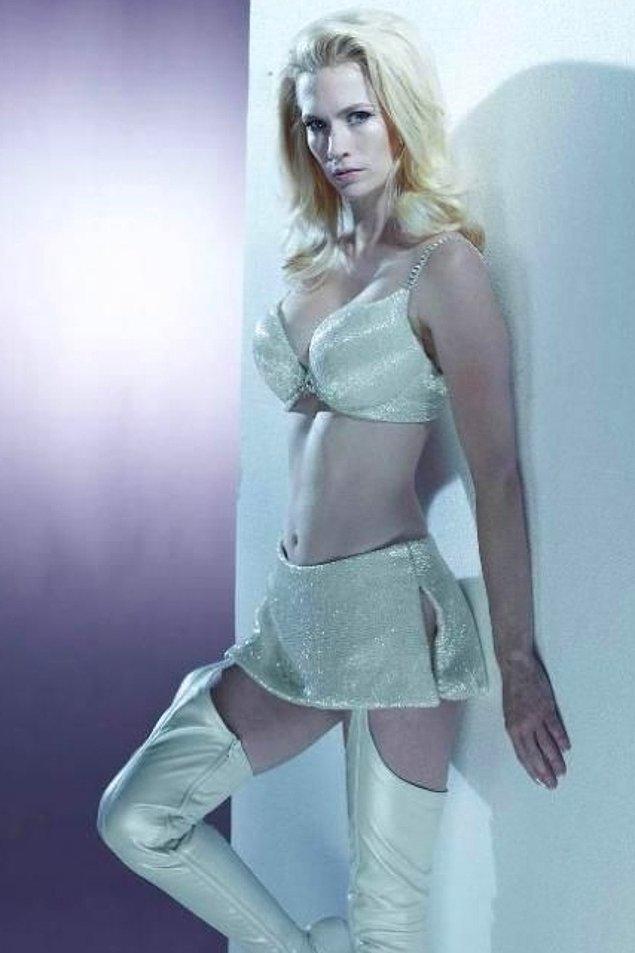 16. Emma Frost (January Jones) / Bade İşçil