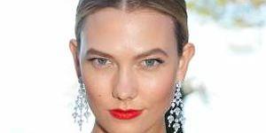 Karlie Kloss: Çarpıcı Makyajını Deneme Sırası Sende!