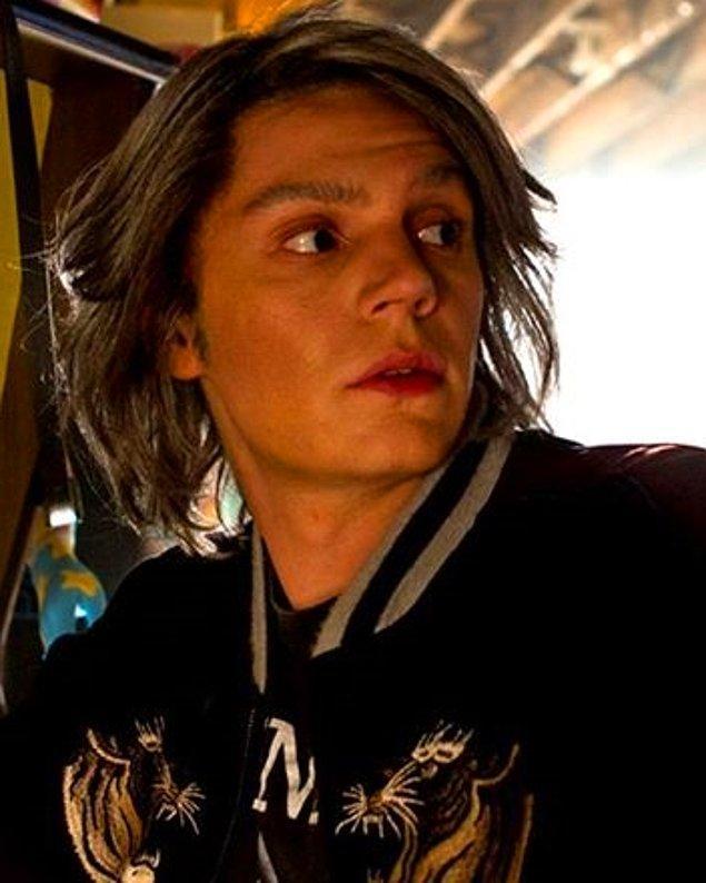 14. Quicksilver (Evan Peters) / Metin Akdülger