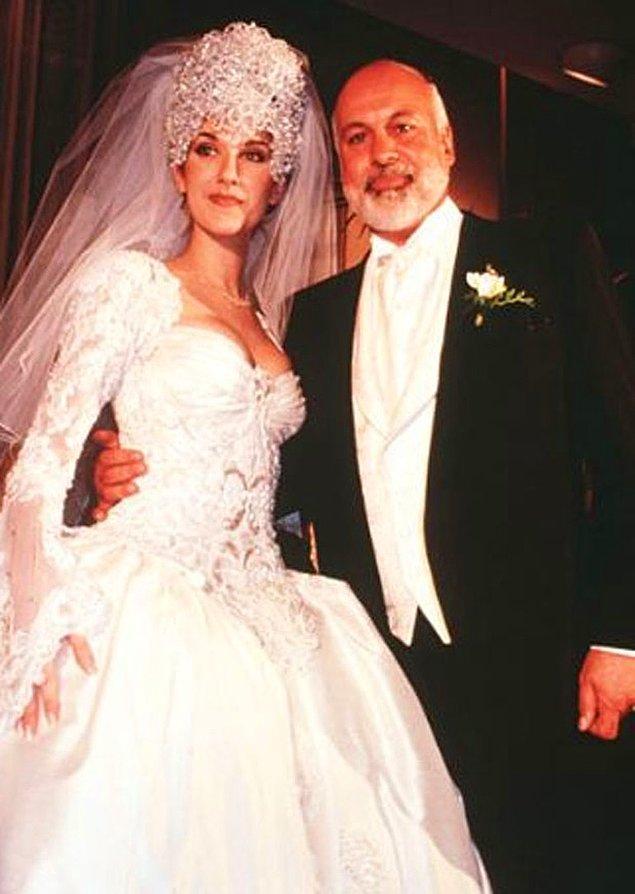 Nişanlandıklarını da 3 sene gizlemeyi başaran çift, 17 aralık 1994 yılında, inanılmaz gösterişli bir düğünle dünya evine girmişlerdi.