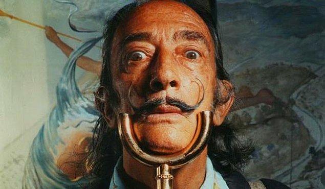 2. Salvador Dali, ölmüş erkek kardeşinin reenkarnasyonu olduğuna inanıyordu.