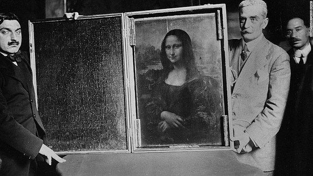 """12. """"Mona Lisa"""" 1911 yılında Louvre Müzesi'nden çalındığında şüphelilerden biri de Pablo Picasso'ydu. Ünlü ressam sorgulandı ancak akabinde aklandı ve serbest bırakıldı."""