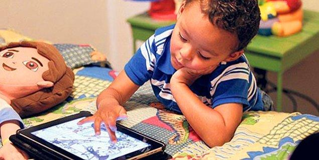 19. Bazı çocuklar 'yeterince oyuncağım yok, tabletim eski, telefon istiyorum' diye yakınırken;