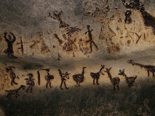 Kırık parçalardan elde edilen karbon sayım yaş tahminin ömrünün en fazla 50 bin yıla uzanması işleri biraz karıştırıyor aslında.