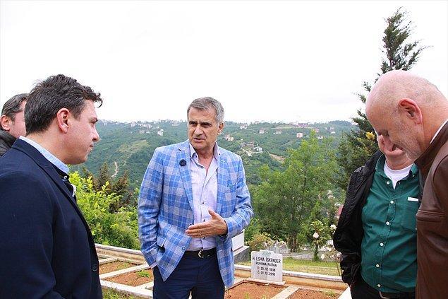 Beşiktaş'ın Süper Lig şampiyonu olmasını da Şenol Güneş'in mavi kareli ceketine bağlayanlar çok oldu.😀
