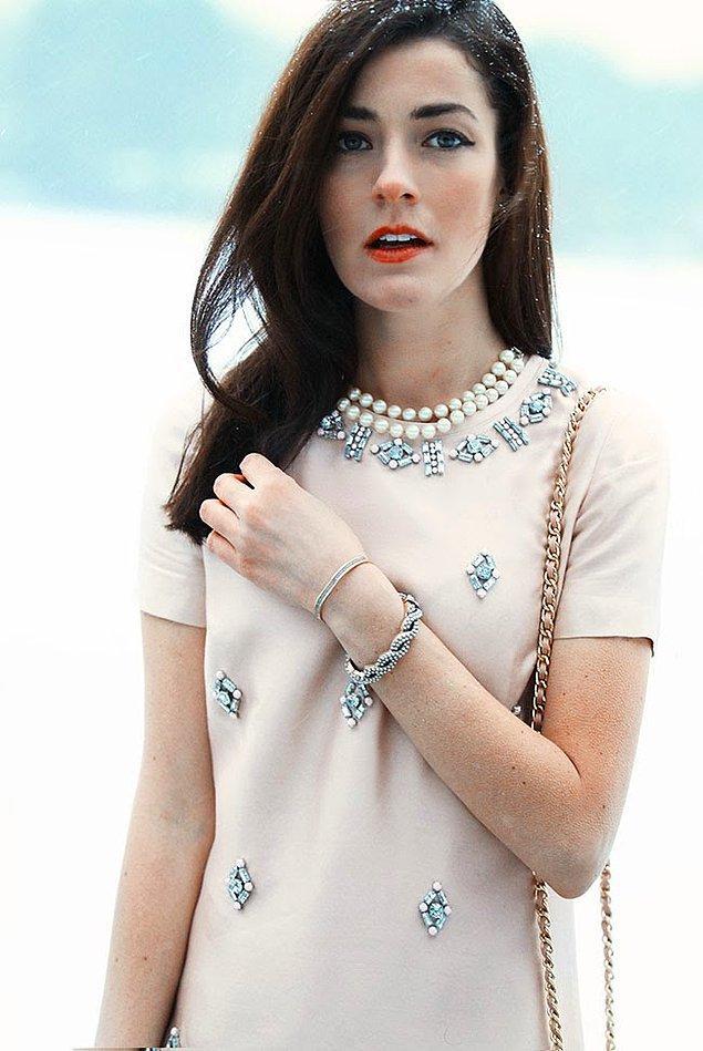 18. Sarah Vickers, Classy Girls Wear Pearls