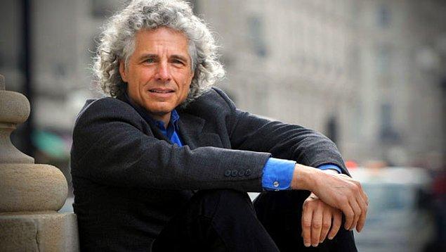 6. Deneysel psikoloji uzmanı Steven Pinker, şiddet eylemlerinde geçmişe göre düşüş yaşanmasının sebebini, insanların her geçen gün daha zeki olmasına, artan okuryazarlık oranlarına ve soyut düşünme kabiliyetinin gelişmesine bağlıyor.