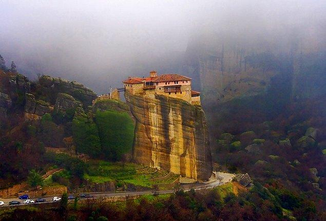 20. Meteora, Yunanistan