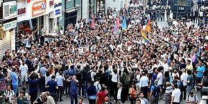 Gezi'nin 3. Yıldönümünde İstiklal'de Yürüyüş: 'Bir Aradayız, Buradayız'