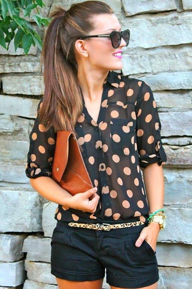 2. Bir bluz, gömlek, vb. küçük bir dokunuşla anında ciddi bir hava katabilirsiniz.