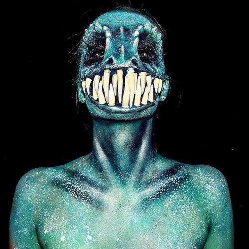 Belli ki yaratıcılığını, mitolojik karakterlerden, uzaylılardan hatta yaratıklar ve iskeletlerden aldığı ilhamla beslemiş!