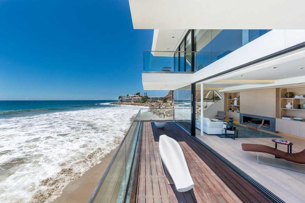Купить жилье на побережье океана