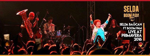 Duymayan kalmadıysa tekrar bi hatırlatma yapalım: Selda Bağcan, İspanya'nın Barcelona kentinde düzenlenen Primavera Sound 2016 festivalinde sahne aldı.