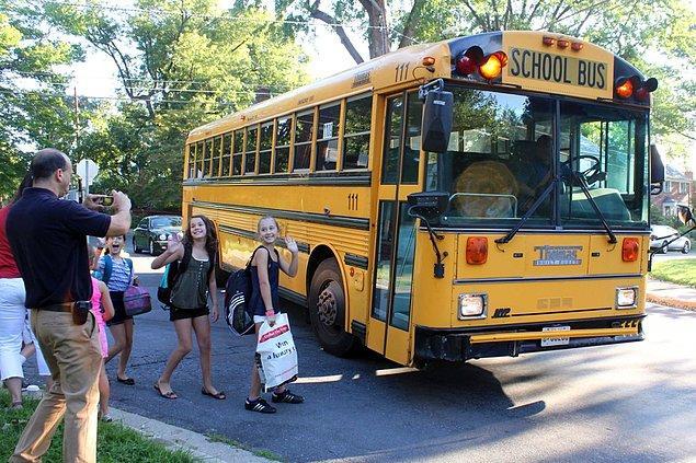 12. Bir okul otobüsüne kaç tane golf topu sığar?
