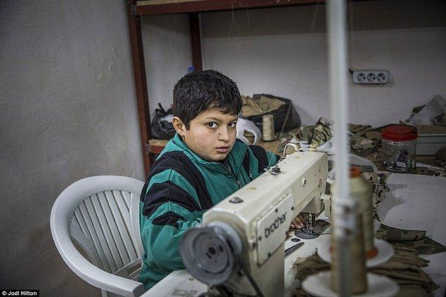 Mailonline'ın haberine göre dikim atölyesinde kullanılan kumaşlar İstanbul'dan geliyor...