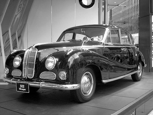 7. Biraz daha eskiye gidiyoruz. Yunanca 'autós' ve Latince 'mobilis' sözcüklerinin birleşmesiyle oluşan 'otomobil' sözcüğünün Türkçe karşılığı nedir?
