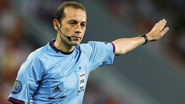 FIFA kokartlı hakemler