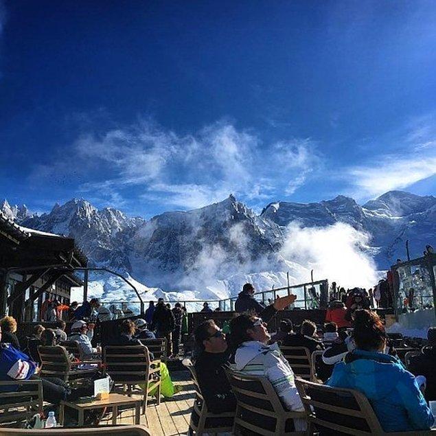 1. Le Panoramic | Mont Blanc eteklerindeki Chamonix kasabası, Fransa.