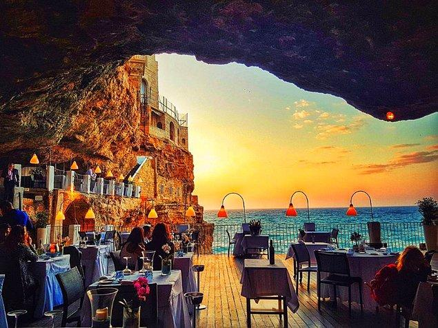 Grotta Palazzese | Puglia, İtalya.
