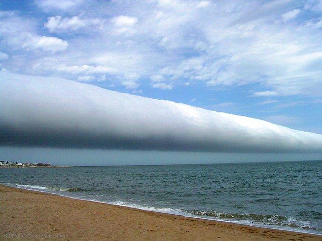 28. Uruguay Üzerinde Bir Yuvarlanan Bulut