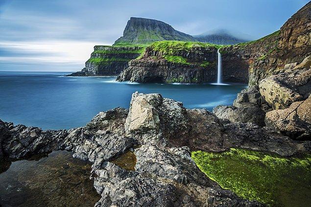 6. Yeşilin ve mavinin her tonunu doya doya seyredebileceğiniz Gasadalur Faroe Adaları