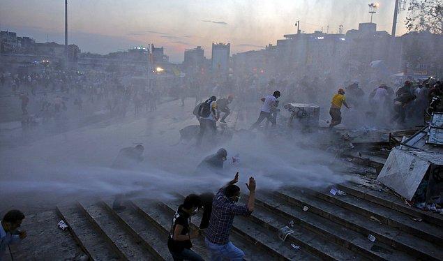 Peki 3 yıl önce Gezi eylemleri ile tüm dünyanın gözlerini çevirdiği Taksim Meydanı'nın yeniden imarı konusunda hukuki süreç ne durumda?