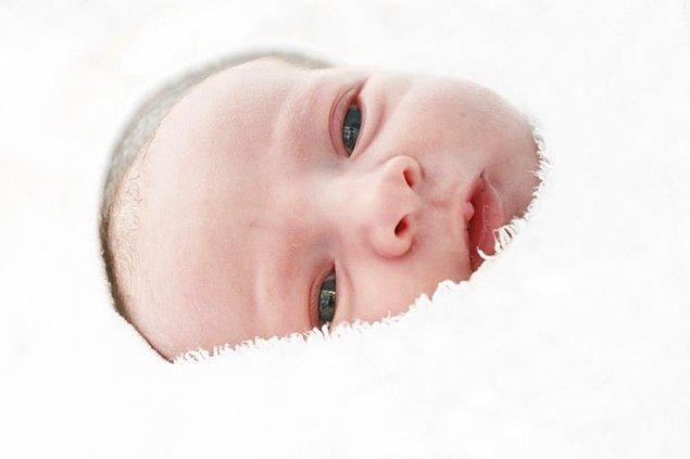 12. Bebeklerin Gözlerinin Rengi Neden Zamanla Değişir?