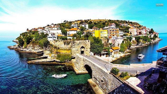 Bozulmamış doğal güzellikleri içinde kalesi, müzesi ve Cenova şatosuyla Batı Karadeniz'in vazgeçilmez rotası Amasra.