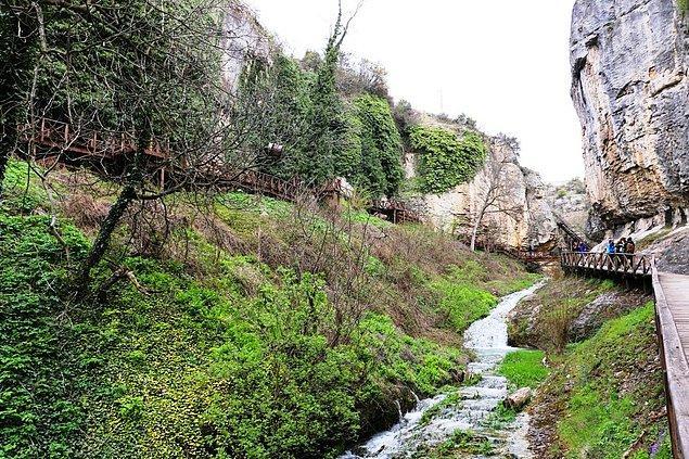 Safranbolu'nun tarihi eserlerin arasında huzur bulabileceğiniz ve doğanın tadını çıkarabileceğiniz noktalardan biri Tokatlı Kanyonu.