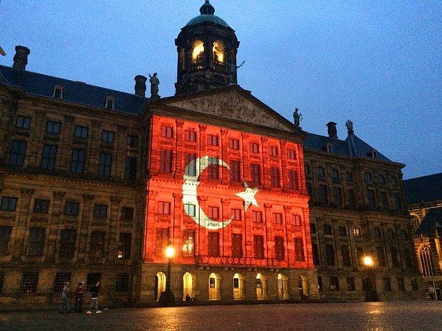 Amsterdam'daki Kraliyet Sarayı