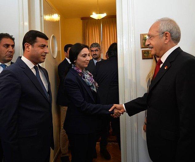 """Kılıçdaroğlu'na """"cumhurbaşkanı ve kamu görevlilerine hakaret"""" suçlaması"""