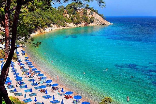 Rengini görünce gözlerinize inanamadığınız plajları, doğa harikası koyları görünce büyülenirsiniz