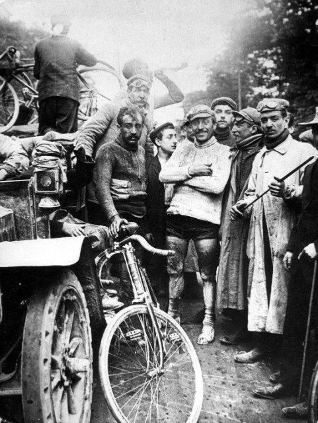 3. Bisiklet sporunun en prestijli yarışlarından biri olan Fransa Bisiklet Turu'nun ilk kazananı, 1903.