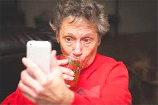 7. Yediğini içtiğini paylaşma akımına selfieyle katılanlar.