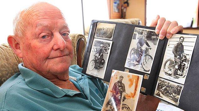 15. 2005 yapımı Anthony Hopkins'in oyunculuğuyla Efsane Adam filmine konu olan, 68 yaşında kırdığı dünya hız rekoru hala geçilememiş efsane motosikletçi Burt Munro.